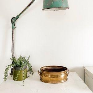 Oval brass planter